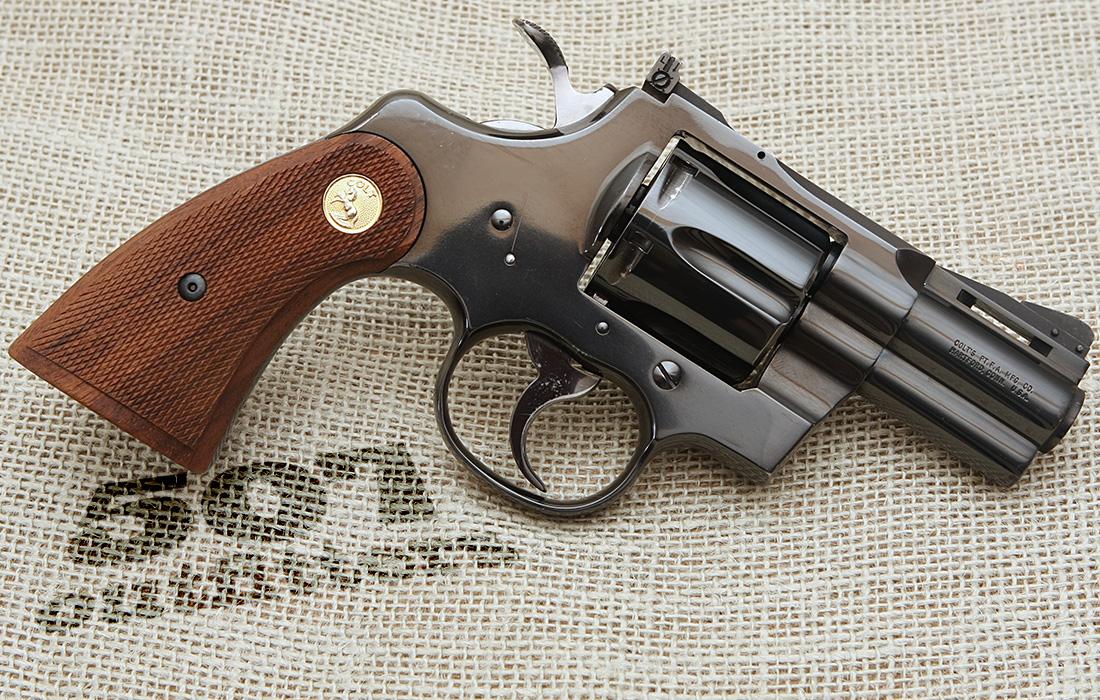 фото револьвер кольт всегда была напористой